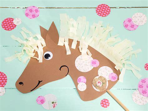 steckenpferd basteln kindergeburtstag so feiert ihr einen lustigen pferdegeburtstag