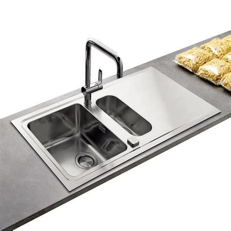 destockage evier cuisine évier contemporain inox lisse 1 bac 1 2 avec égouttoir