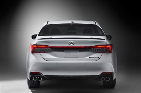 Toyota 2019 : 2019 Toyota Avalon Reviews And Rating