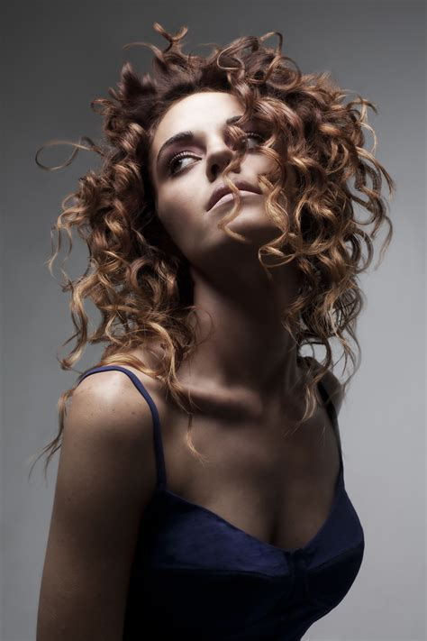 long curly hair highlights color cutting  styling