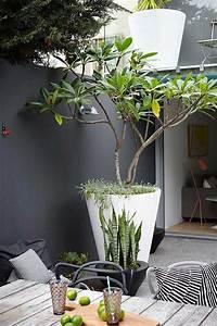Decoration Terrasse Exterieur : et si on osait le noir dans nos jardins frenchy fancy ~ Teatrodelosmanantiales.com Idées de Décoration