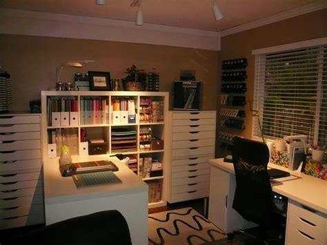 Beautiful craft room with Ikea furniture (Expedit, Alex