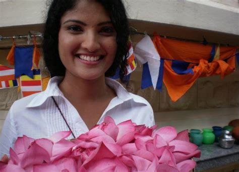 Sri Lankan Actress Udayanthi Kulathunga Hot Pictures