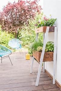 diy upcycling pflanzleiter aus alten schubladen leelah With französischer balkon mit schmiedearbeiten für den garten