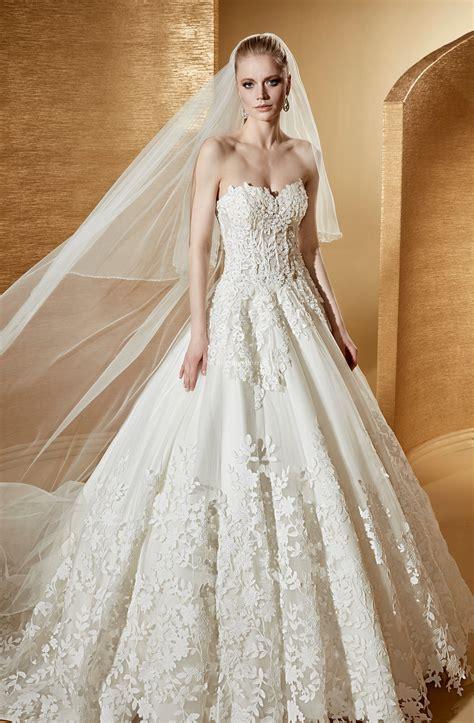 Ci sono vestiti e vestiti, e poi c'è il tuo abito da sposa. Abiti da Sposa di Romance - ROAB17882 - Matrimonio.com