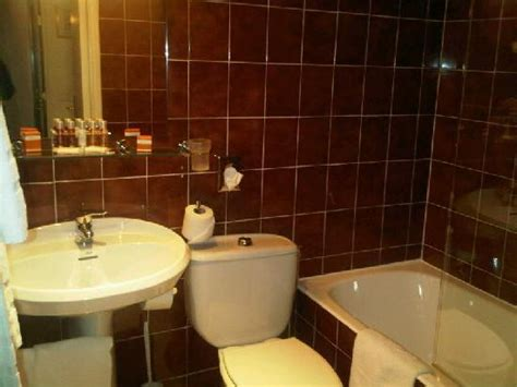 mini espion salle de bain mini salle de bain moche picture of hotel ellington tripadvisor