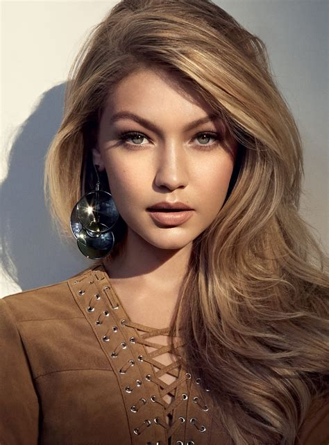 Gigi Hadid Looks & Style - photos