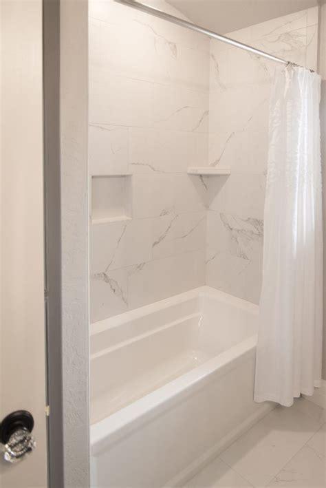 bath surround  flooring tile mayfair  statuario