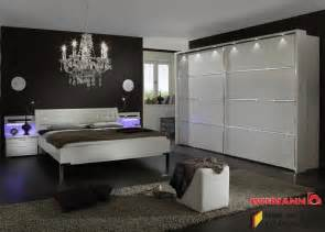 www schlafzimmer de schlafzimmer komplett wiemann dubai alpinweiß mit strasskristall 3769