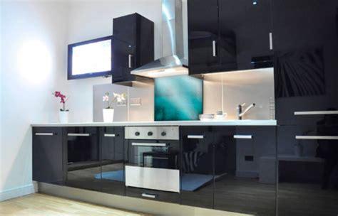 crédences de cuisine en verre laqué sur mesures une crédence pour votre cuisine sur mesure simon mage