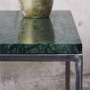 Couchtisch Mit Marmorplatte : rana couchtisch aus goldenem metall und gr nen marmor ~ Michelbontemps.com Haus und Dekorationen