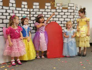 45 school spirit day ideas that of all ages will 385 | princess dress up day e1506970035958 300x229