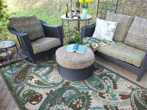 outdoor patio rugs outdoor rugs make springtime cozy mohawk homescapes