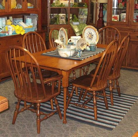 Dining Room Table And Chairs by 36 Quot X 72 Quot Porringer Dining Table Shown In Tiger Maple