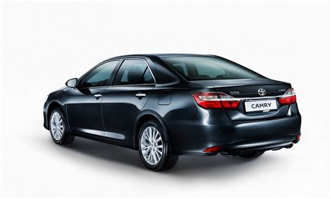 toyota   camry  facelift  russia carscoops