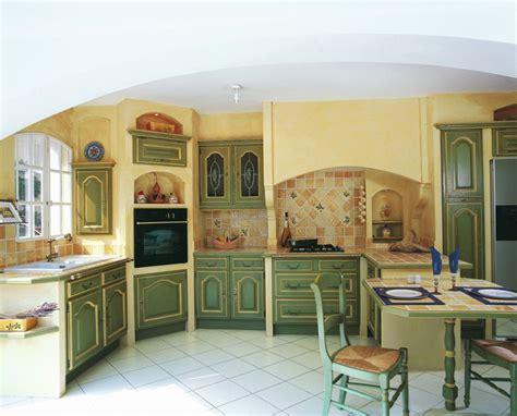 cuisine style provencale moderne decoration cuisine bleu et jaune