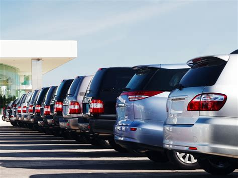 Car Dealerships Don't Understand New Safety Features, Mit