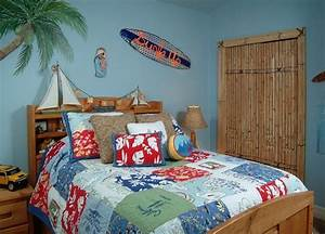 chambre enfant bleu et deco aux accents colores With tapis chambre enfant avec canapé bois exotique