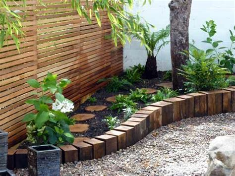 garden bed edging ideas   catch  attention