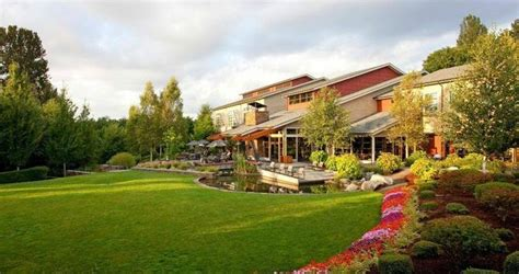 romantic getaway  washington cedarbrook lodge  seatac