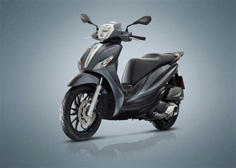 Review Piaggio Medley by 2018 Piaggio Medley 150s Review Total Motorcycle