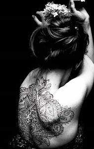 Frauen Rücken Tattoo : 46 coole r cken tattoos f r frauen freshouse ~ Frokenaadalensverden.com Haus und Dekorationen