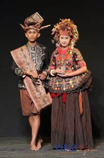 pakaian adat  sulawesi sulawesi baratsulawesi utara