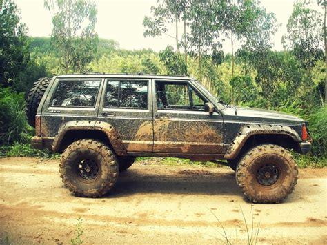 muddy jeep mud jeep cherokee xj blue jeeps pinterest the old