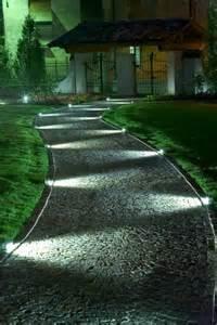 Halloween Pathway Lights by All 233 Es De Jardin Cr 233 Atives Pour Votre Ext 233 Rieur Archzine Fr