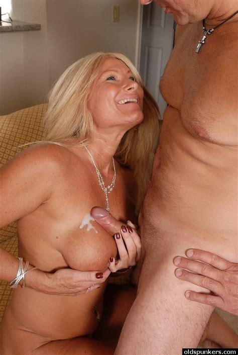 big tit blonde milf roxy enjoying an ass eating and a cumshot