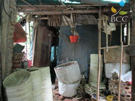wayan kari keluarga kurang mampu  desa bungaya bebandem karangasem