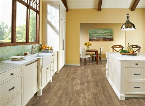 "Armstrong LUXE Farmhouse Plank Natural 8mm x 7 x 48"" with"