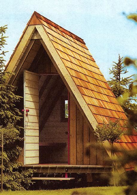 cute small house designs  gable roofs  triangular