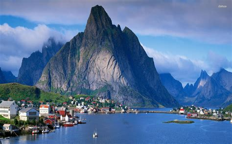Lofoten Mountain Range In Norway Thousand Wonders