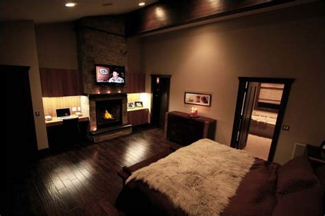 Master Bedroom Office Space by Master Bedroom With A Great Built In Wall Unit For The