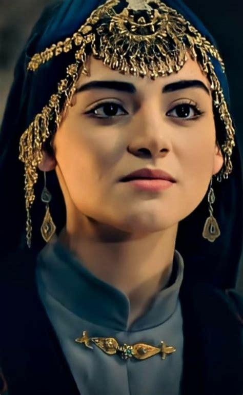 Şeyh edebalı'nın kerîmesi, osman bey'in hatunu bala hatun #kuruluşekibi bala hatun parody. Pin by Qurrat ul ain abbas 👑💫 سید on Bala Hatun in 2020   Crown jewelry, Osman, Fashion