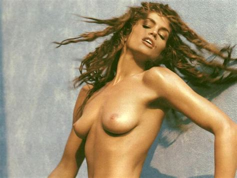 Cindy Crawford Nude Iconic Model Is An Art Scandal Planet