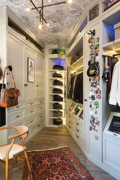 Walk In Closet Wallpaper by Interior Design Inspiration Photos By La Closet Design