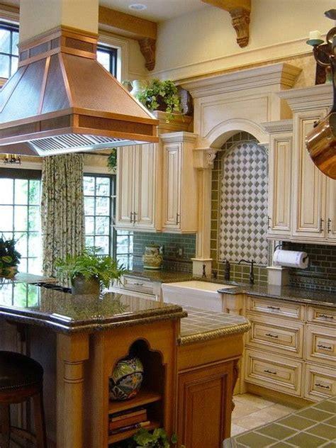 how to antique kitchen cabinets best 20 fume ideas on farm kitchen ideas 7194