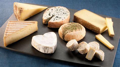 madame figaro cuisine vingt fromages français certifiés aop à connaître