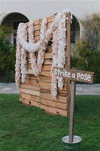 DIY Pallet Photo Booth Backdrop Pallets Designs