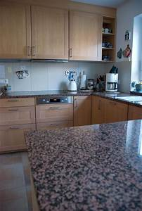 Kuche in echtholz ahorn mit rahmenfronten for Echtholz arbeitsplatte küche