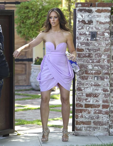 foto de Jennifer Love Hewitt very hot look at Leaving her home in