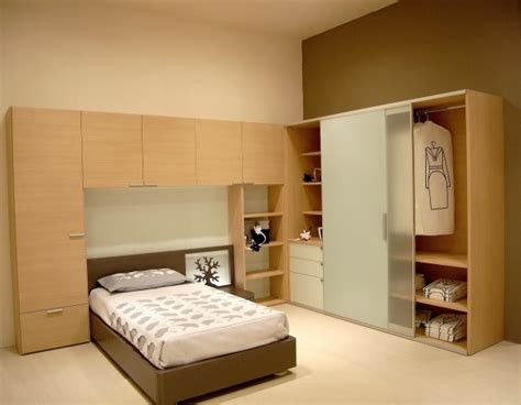 Wardrobe Designs For Small Bedrooms