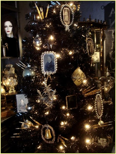 Gothic Christmas Tree   Home Design Ideas