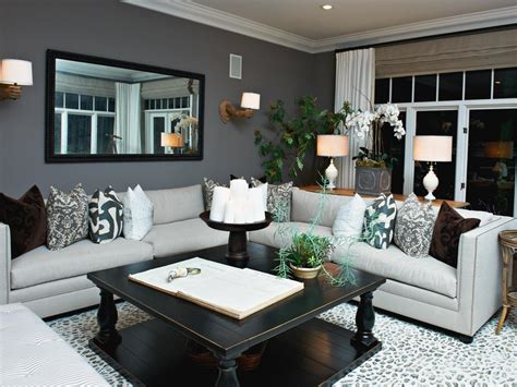 Hgtv Livingroom by Gray Living Room With Bold Accents Hgtv