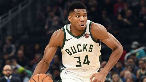 giannis antetokounmpo injury update bucks star