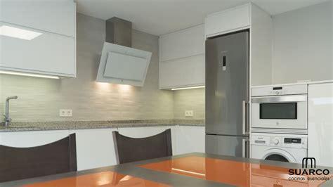 cocina blanca en forma de  cocinas suarco fabrica