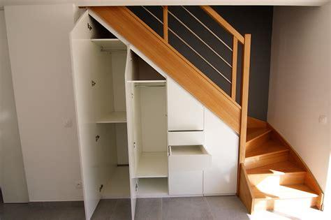 creer sa cuisine ikea conception et installation de placard sous escalier à voiron