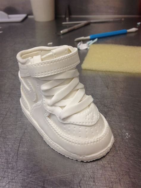 images  fondant shoes  pinterest fondant
